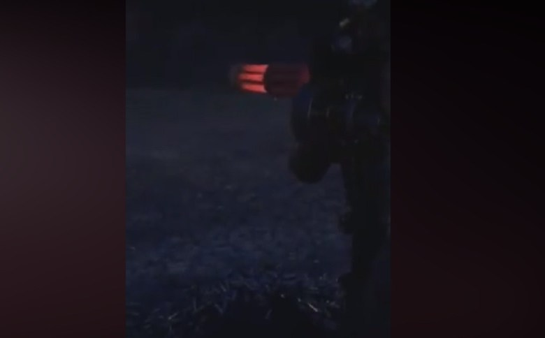 NIGHT SHOOT WITH A MINIGUN (VIDEO)