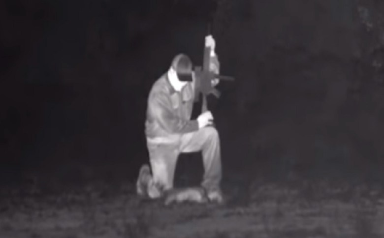 NIGHT HUNTING WITH FULL AUTO AND TRACERS (VIDEO)