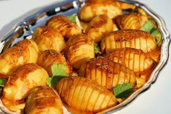 Cuisinez votre carré d'agneau à pâques avec des pommes de terre