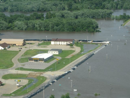 Columbus Junction before the levee failed