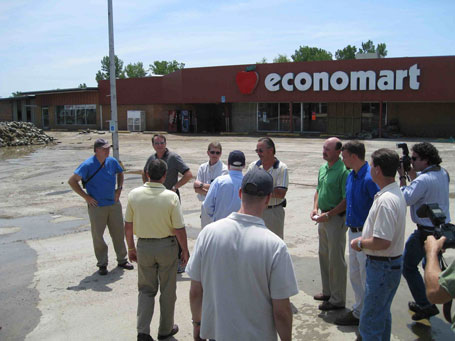 Economart in Columbus Junction Iowa after flooding photograph 2008