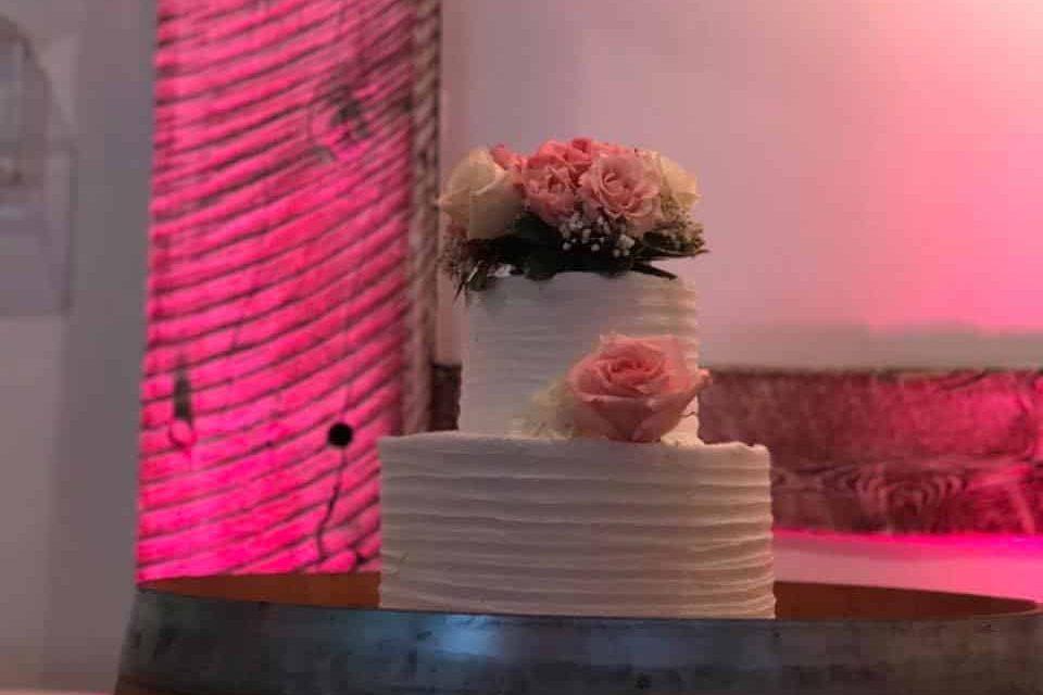 Wedding Cake Up Lighting