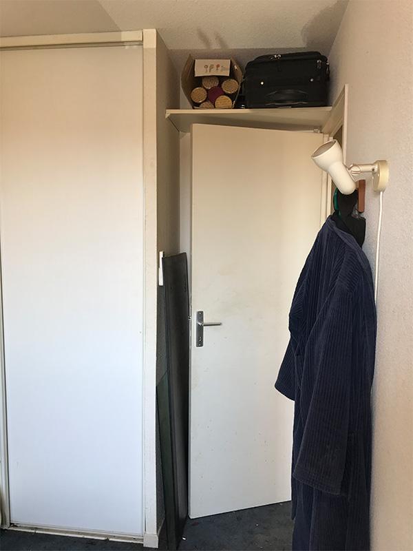 Vue du couloir - AVANT -