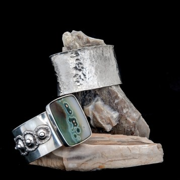 My father, also a retired dentist, has always had a side hobby of making jewelry. What started as an elective in college stuck with him, and now as a retiree he sells and and shows his work.. www.greg-gentry.com
