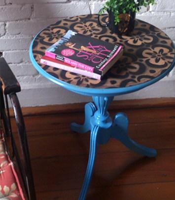 Mesa com Estencil by Erika Karpuk