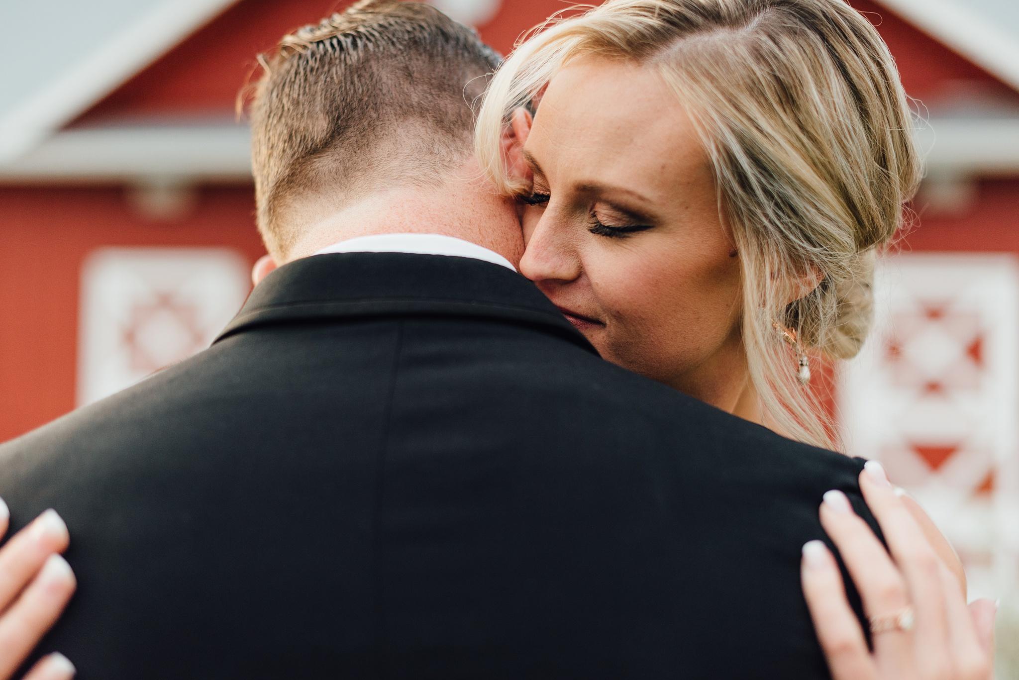 colorado bride at crooked willow farms, larkspur colorado wedding