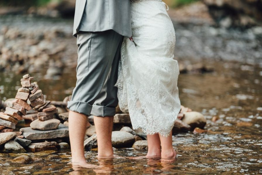 barefoot wedding photos