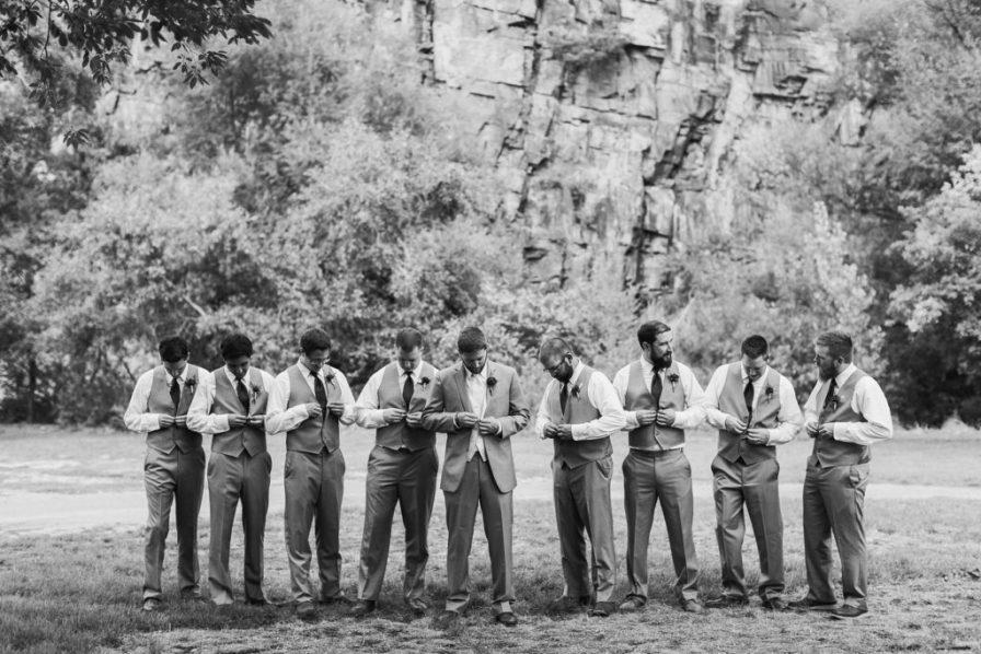 groomsmen photo ideas