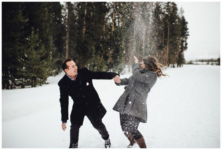 Wintery engagement photos in Colorado