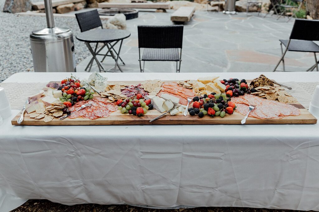 Outdoor wedding appetizers