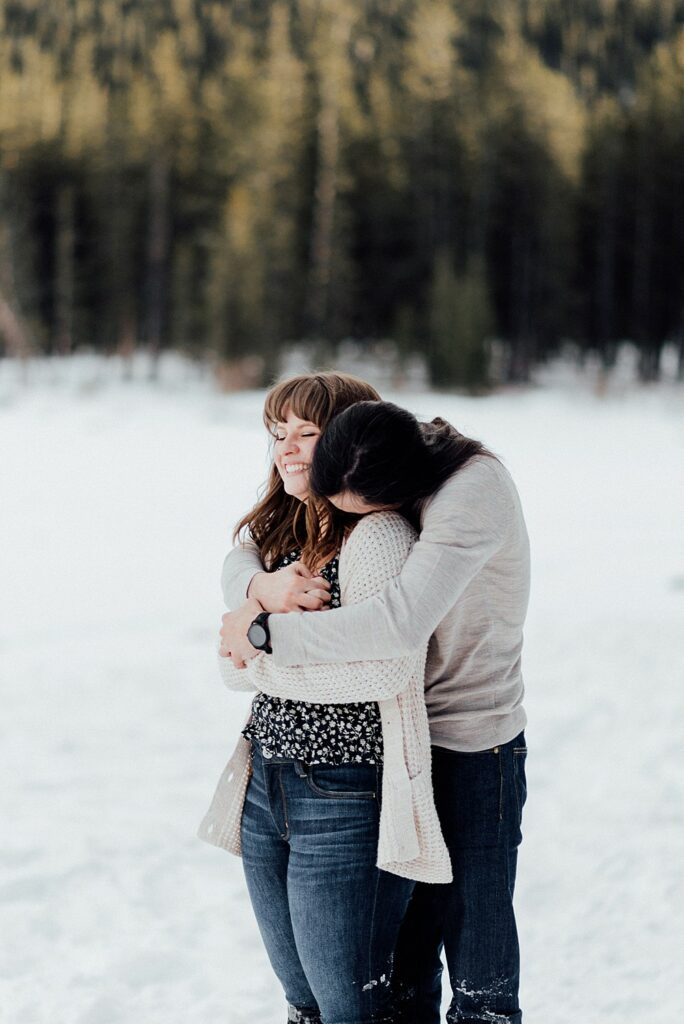 Winter engagement photos outfits