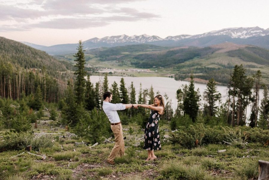 Engagement photos overlooking Lake Dillon