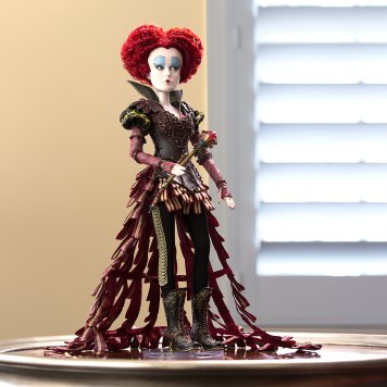 The Red Queen Limited Edition 17'' Doll from the Disney Store
