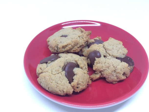 Gluten-free chocolate chip almond flour cookies