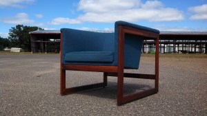 Walnut Cube Chair - Design Attributed to Milo Baughman for James Inc.