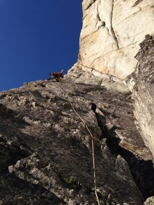 Paul leading the exposed p3 of Traveler's Buttress, Lover's Leap