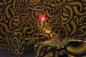 44_kusama_in-yellow-tree-room_web_800