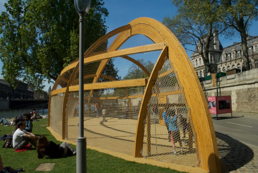 paris with kids - seine playgrounds