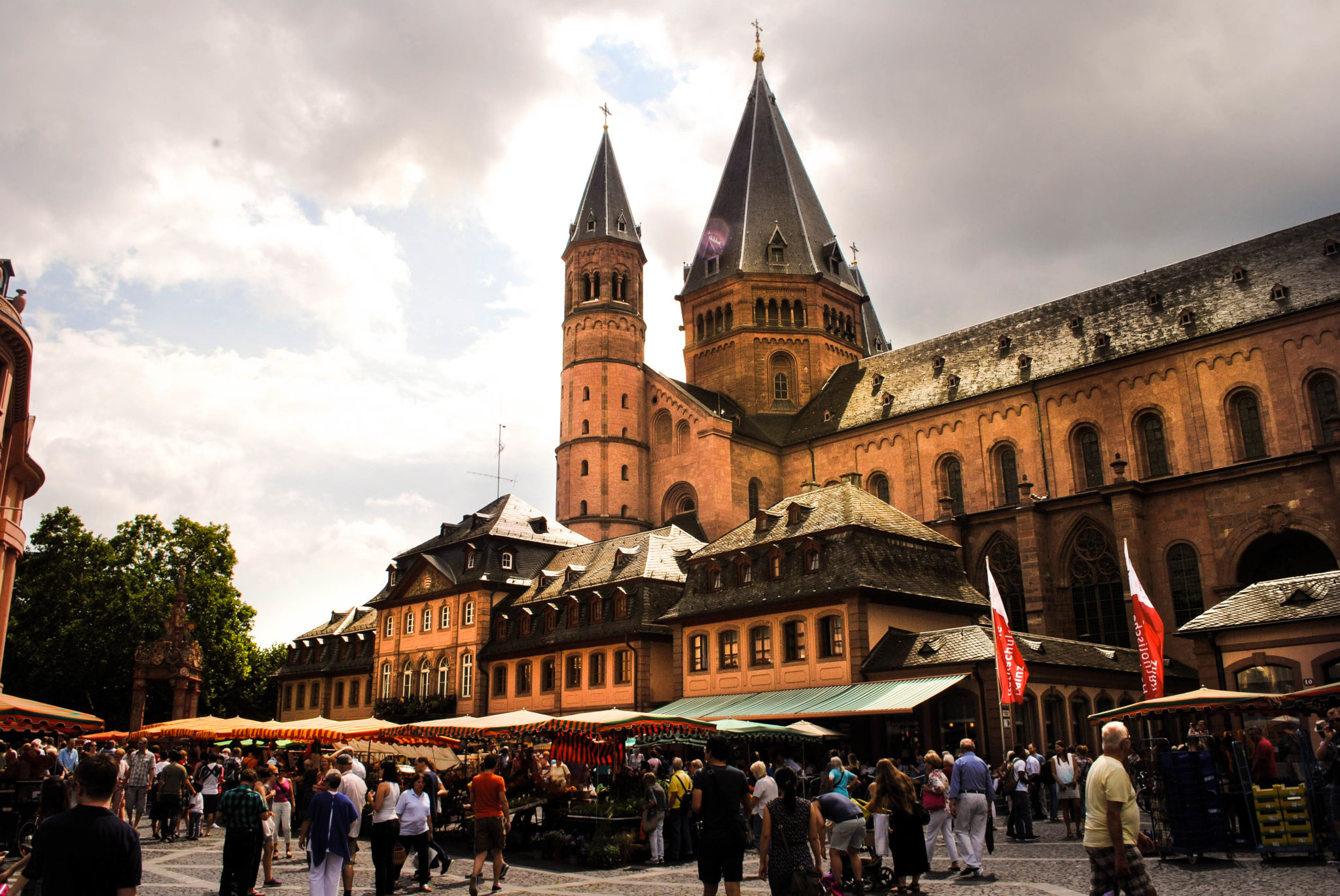 The dramatic market square in Mainz.