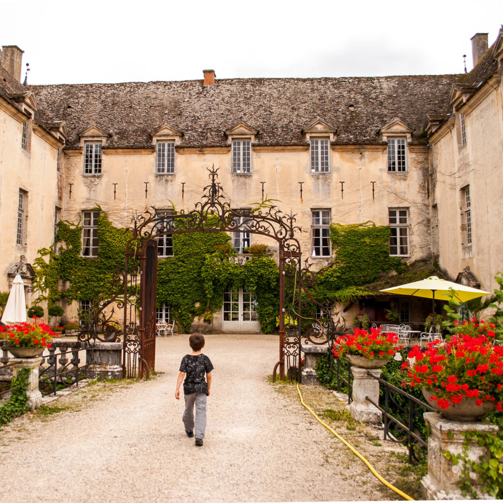 Gorgeous courtyard at the main building of Château de Savigny-les-Beaune