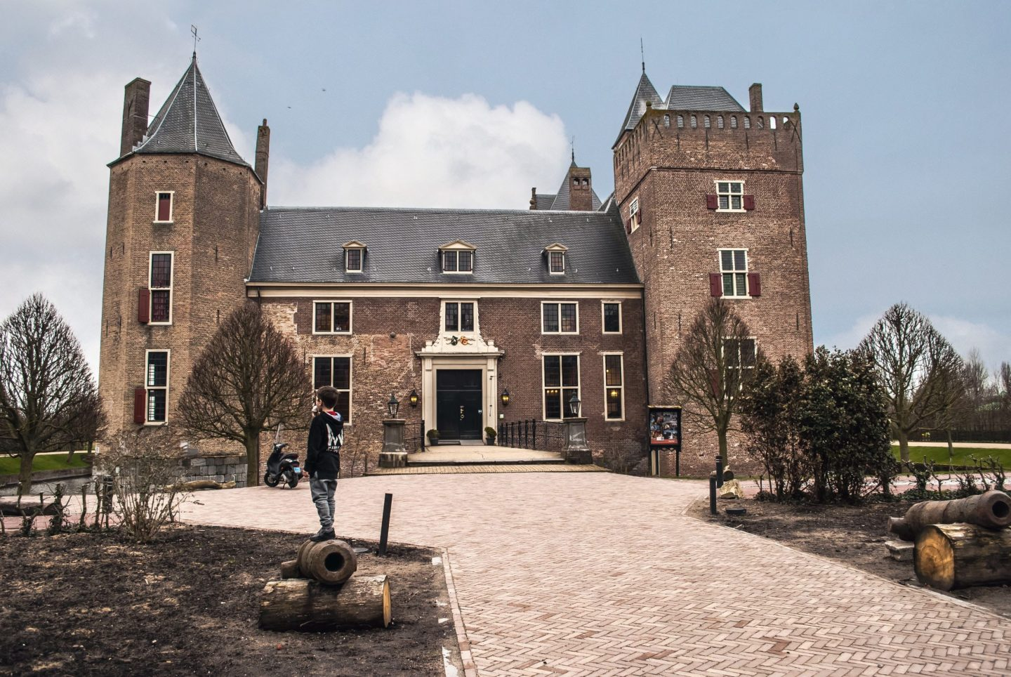 Stay in a castle in the Netherlands? Yes please!