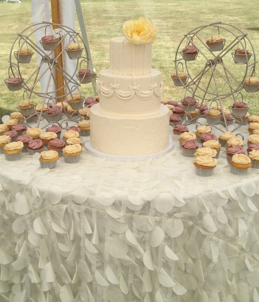 Ferris Wheel Cupcakes & Wedding Cake