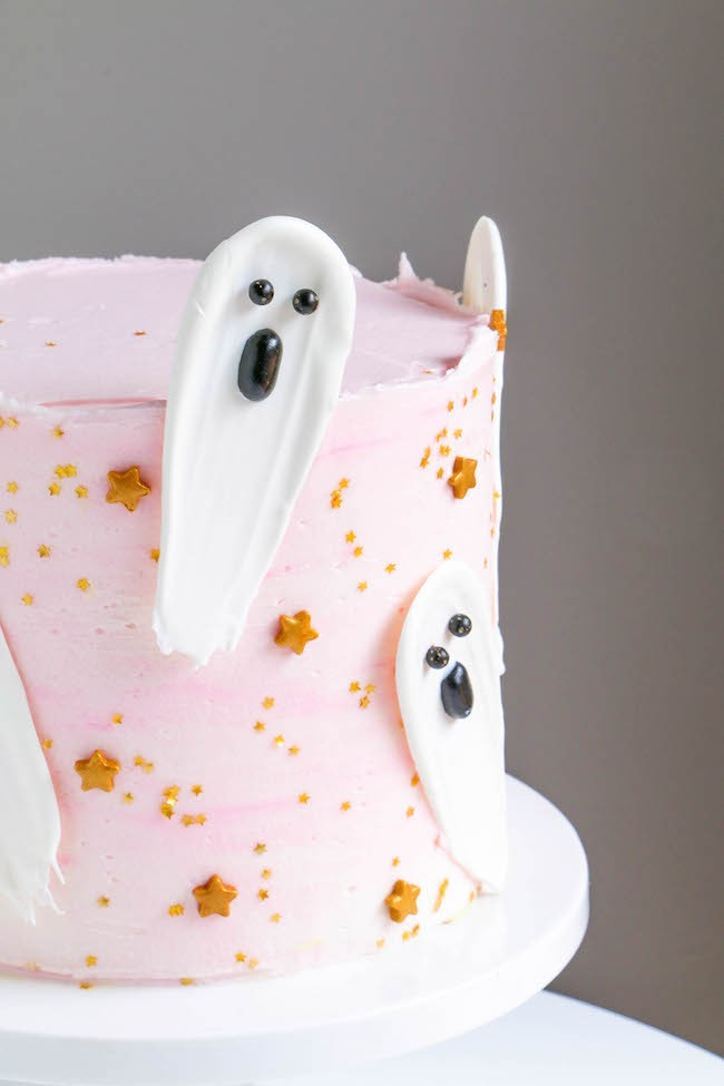 Close Up of a Chocolate Brushstroke Ghost | Erin Gardner | Erin Bakes
