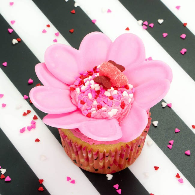 Candy Melt Flower Valentine's Day Cupcake | Erin Bakes x Wilton Instagram Takeover