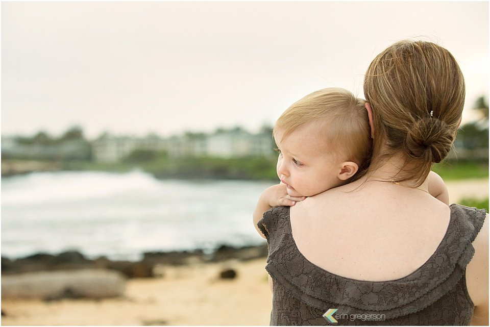 family photographer in kauai-mother baby image by erin gregrson photography