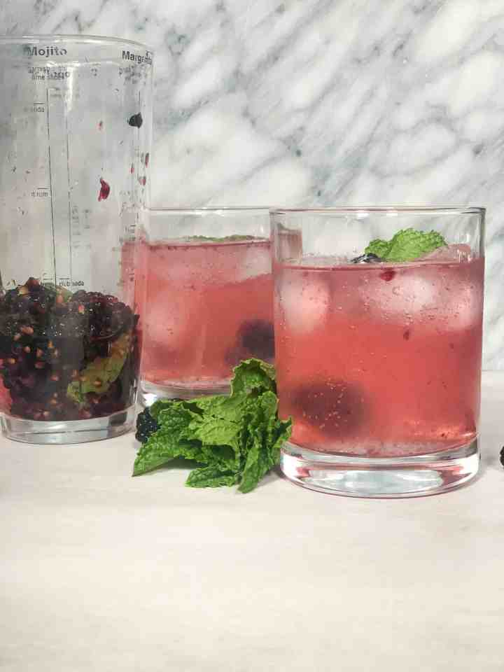 blackberry mint gin smash cocktail