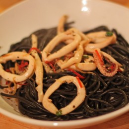Chilli Squid Black Pasta