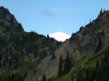 Peekaboo Mountain Views