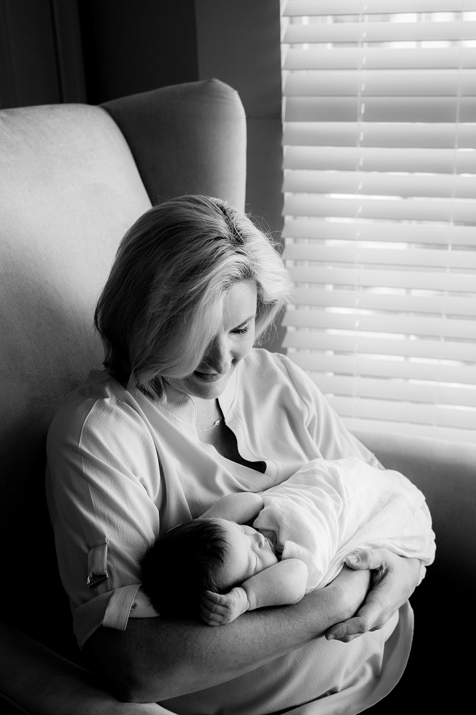 black and white newborn photography in home by Alexandria Newborn Photographer, Erin Tetterton