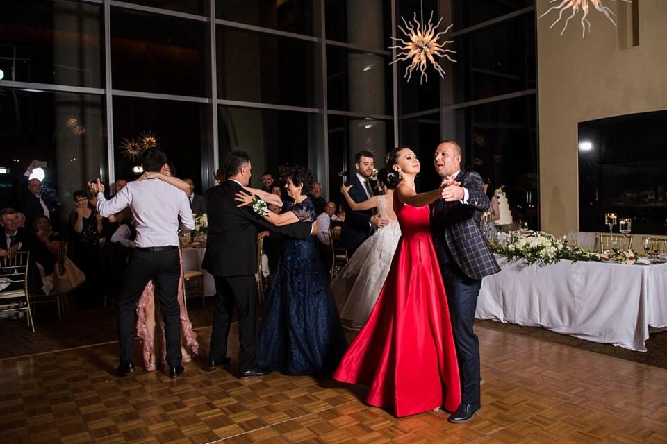 Family Dancing at Restuarnt 2941 Wedding