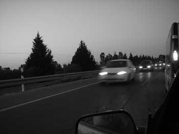 carretera y caravana
