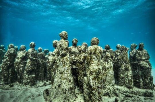 Las profundidades del mar tienen guardan obras de arte