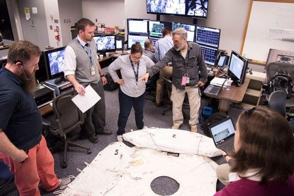 Así se checan las cosas del espacio desde las oficinas de la NASA