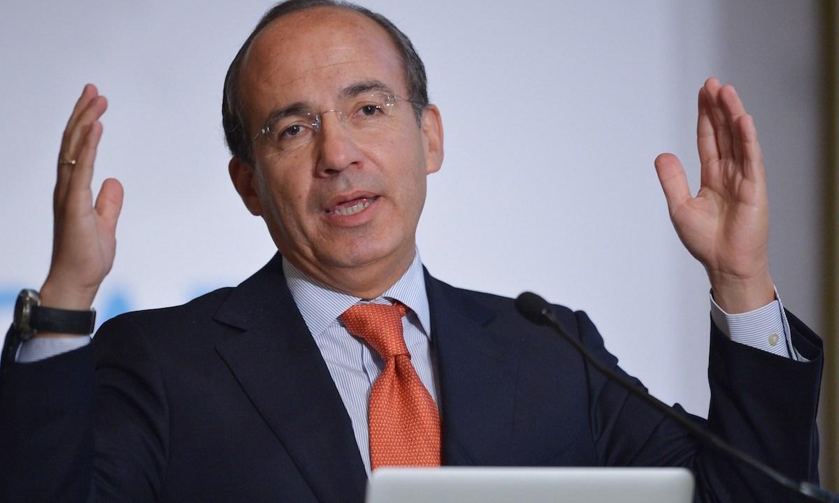 Felipe Calderón se burla del nombre de Delfina Gómez y lo tunden con todo en las redes sociales