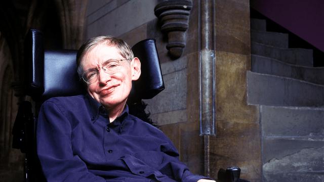 Stepehen Hawking advirtió que tenemos que emigrar al espacio