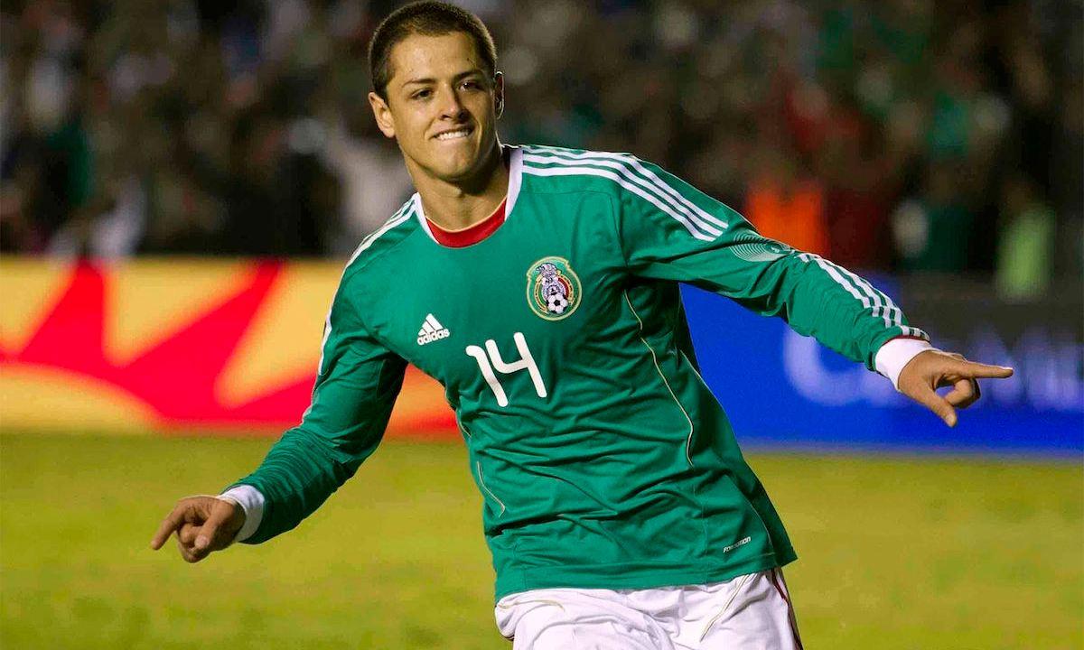 El Chicharito Hernandez cumple hoy 29 años y la afición se lo celebra