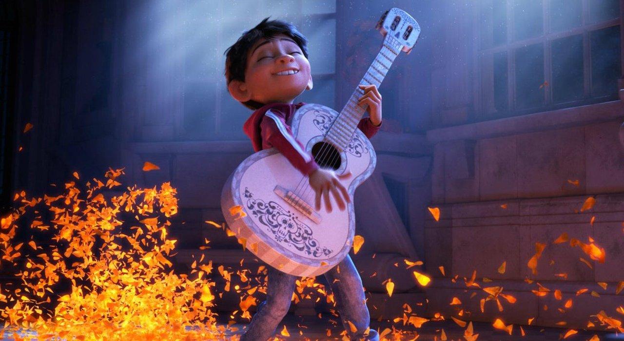 Miguel se encuentra a sus parientes en el nuevo trailer de Coco