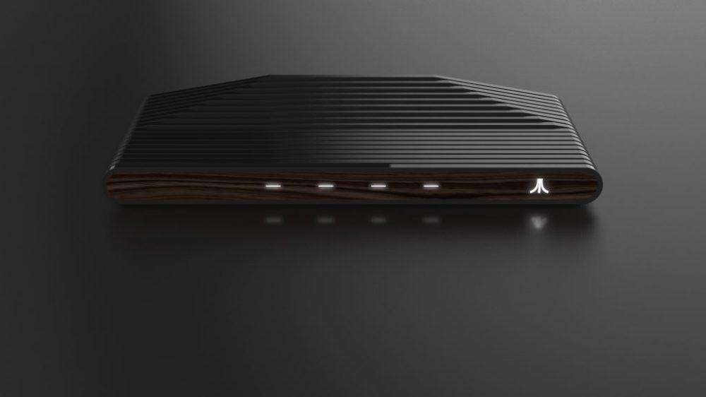 La consola Ataribox con acabados de madera