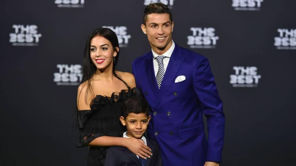 Foto familiar de Cristiano Ronaldo con todos sus hijos