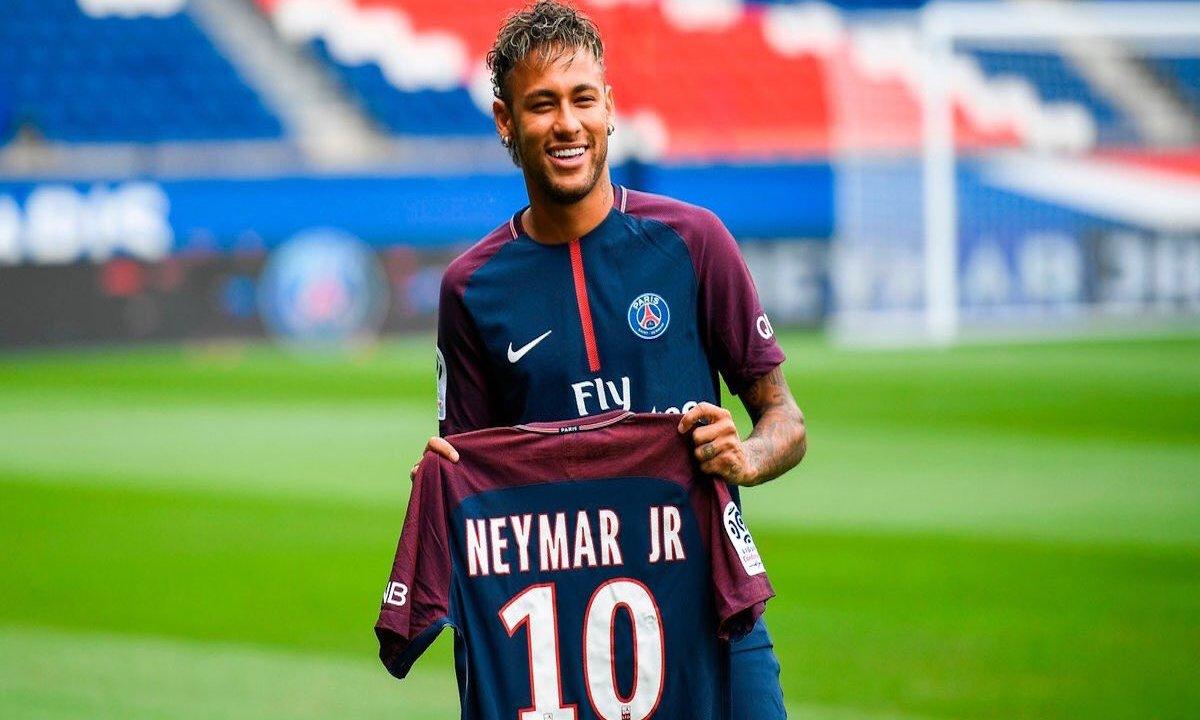 Termina novela Neymar con Barcelona y París es fiesta