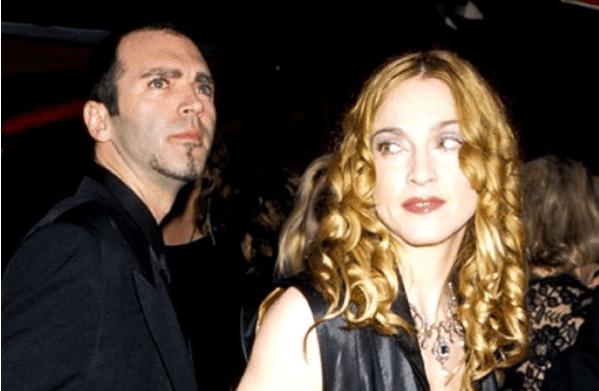 Madonna-hermano-gay