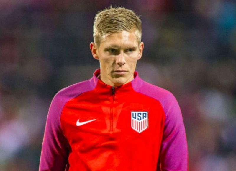 Aron Johannsson jugador de Islandia que no jugará Mundial