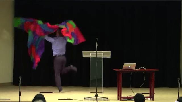 Baile interpretativo anti gay del grupo de odio MassResistance
