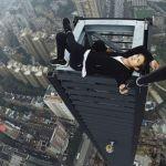 Wu Yongning practicando rooftopping