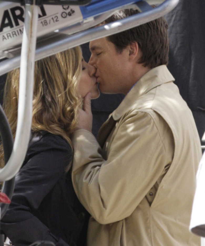 Jennifer Aniston y Jason Bateman besándose en The Switch