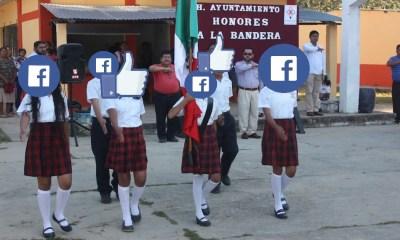 Pasa mezclas juramento a la bandera con Facebook